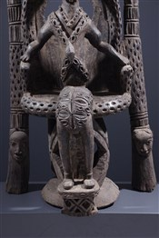 Statues africainesDignitaire Bamoun sur son trône