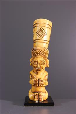 Art tribal - Tabatière Chokwe en ivoire